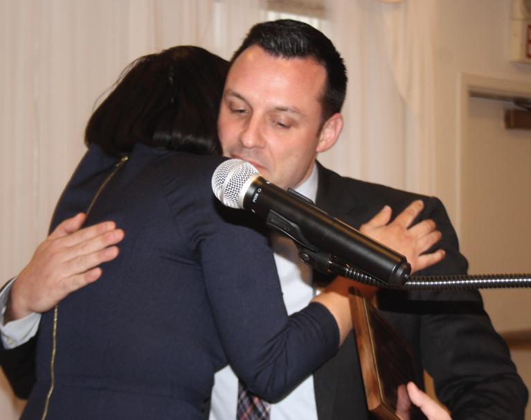 Aaron Wegner accepts the congratulations of Valentina Saavedra